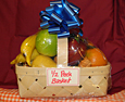 Holiday Gift baskets with seasonal fresh fruit from Baughers.